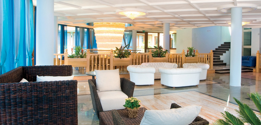 Hotel Alexander, Limone, Lake Garda, Italy - Lounge.jpg